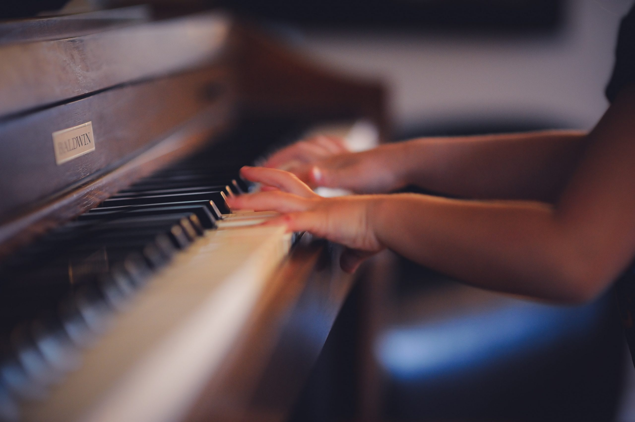 music lessons student piano
