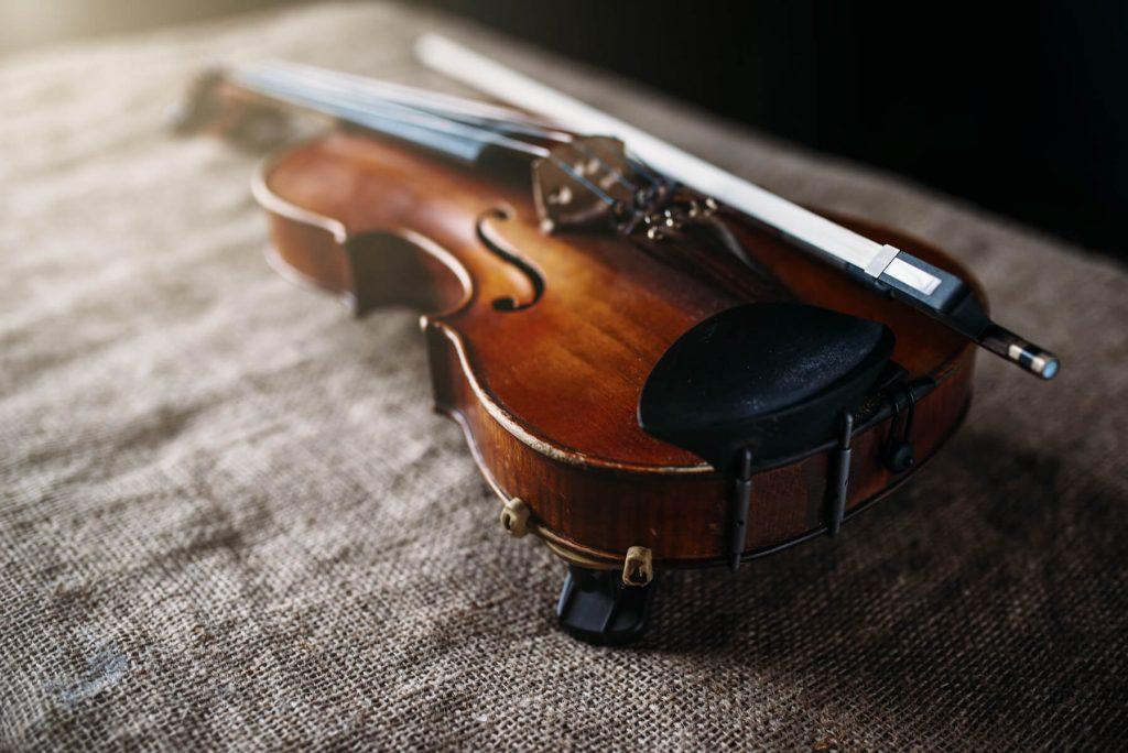 violin on cloth