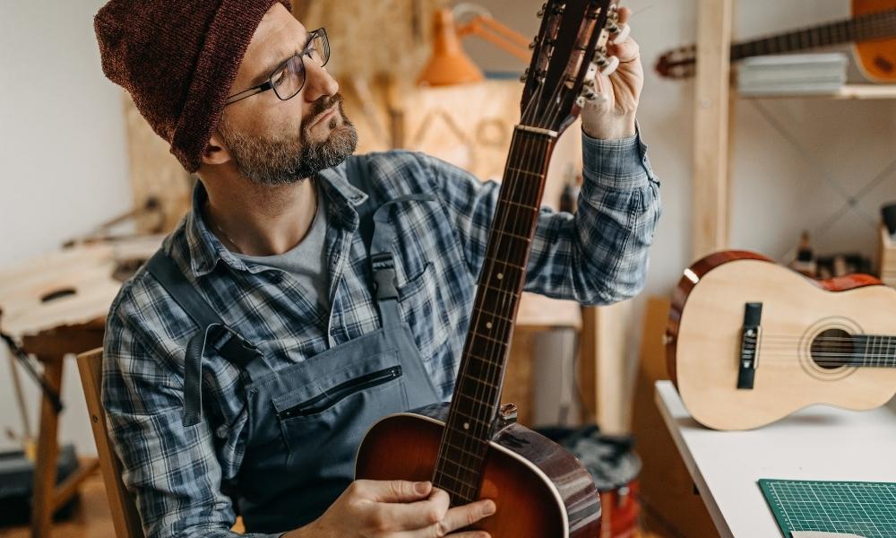 ecoustic guitar tuning