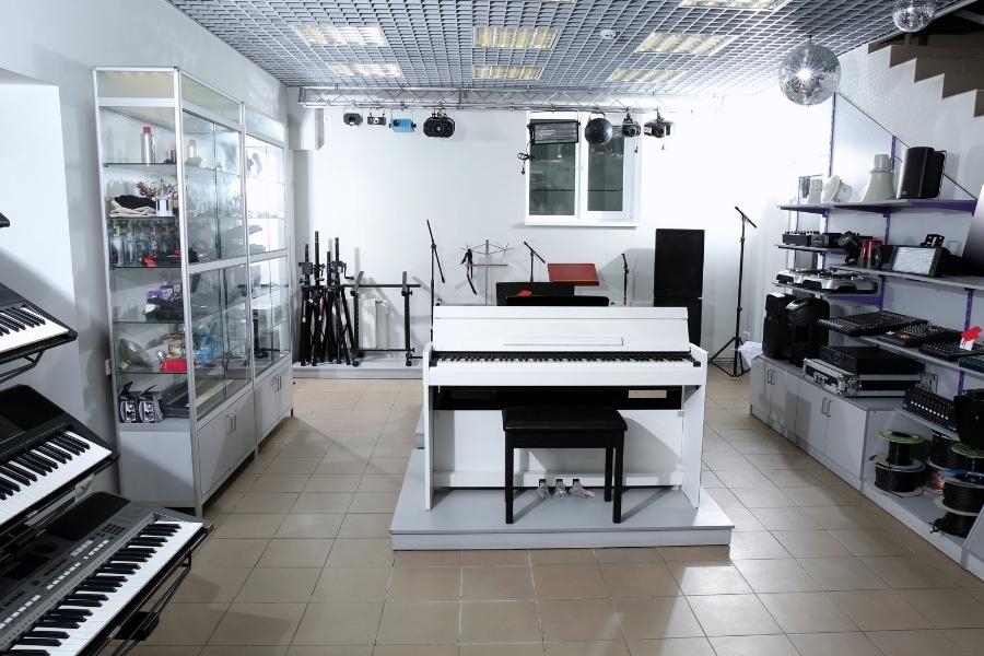 keyboard and piano store